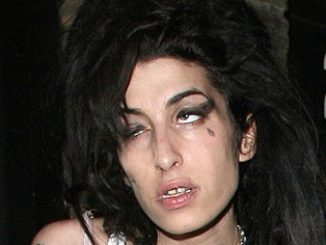 Amy Winehouse ubriaca