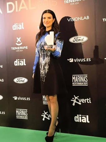 Laura Pausini Riceve Il Premio Dial 187 Fullsong It