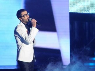 Stefano si esibisce a X Factor 4