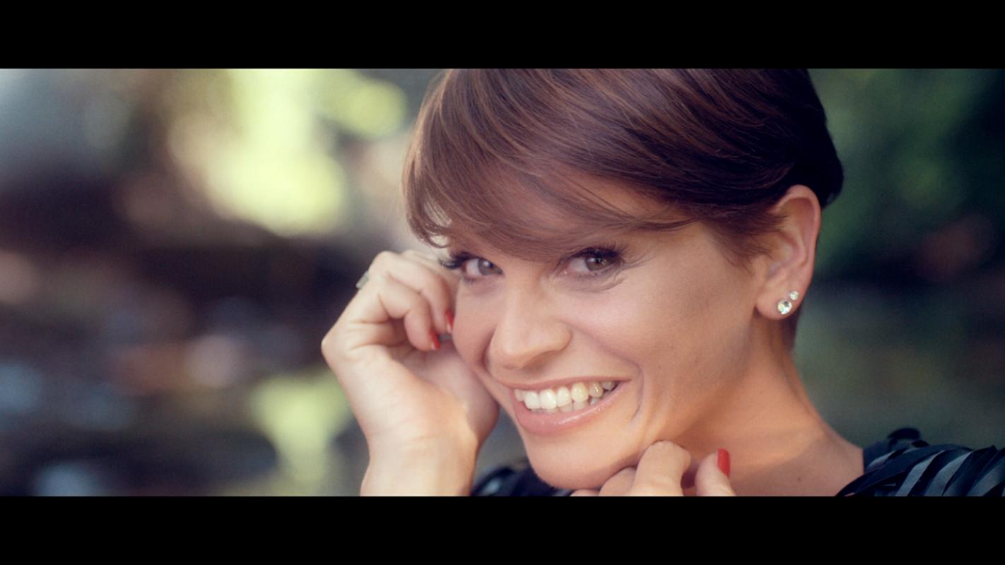 Il Molise meta per vip: Alessandra Amoroso paparazzata sulla spiaggia di Campomarino