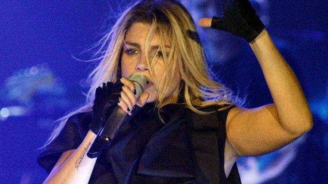 Emma durante il concerto di Genova ©Foto Valentina Privitera/FullSong