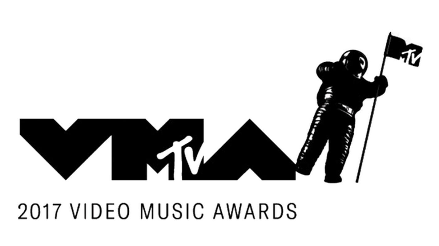 Смотреть 2017 MTV Video Music Awards видео