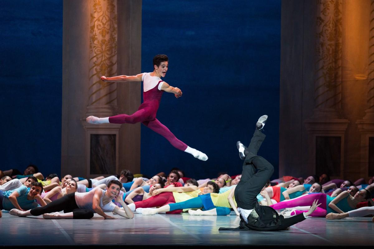 Gaite Parisienne suite di M Bejart Teatro Strehle foto di Clarissa Lapolla