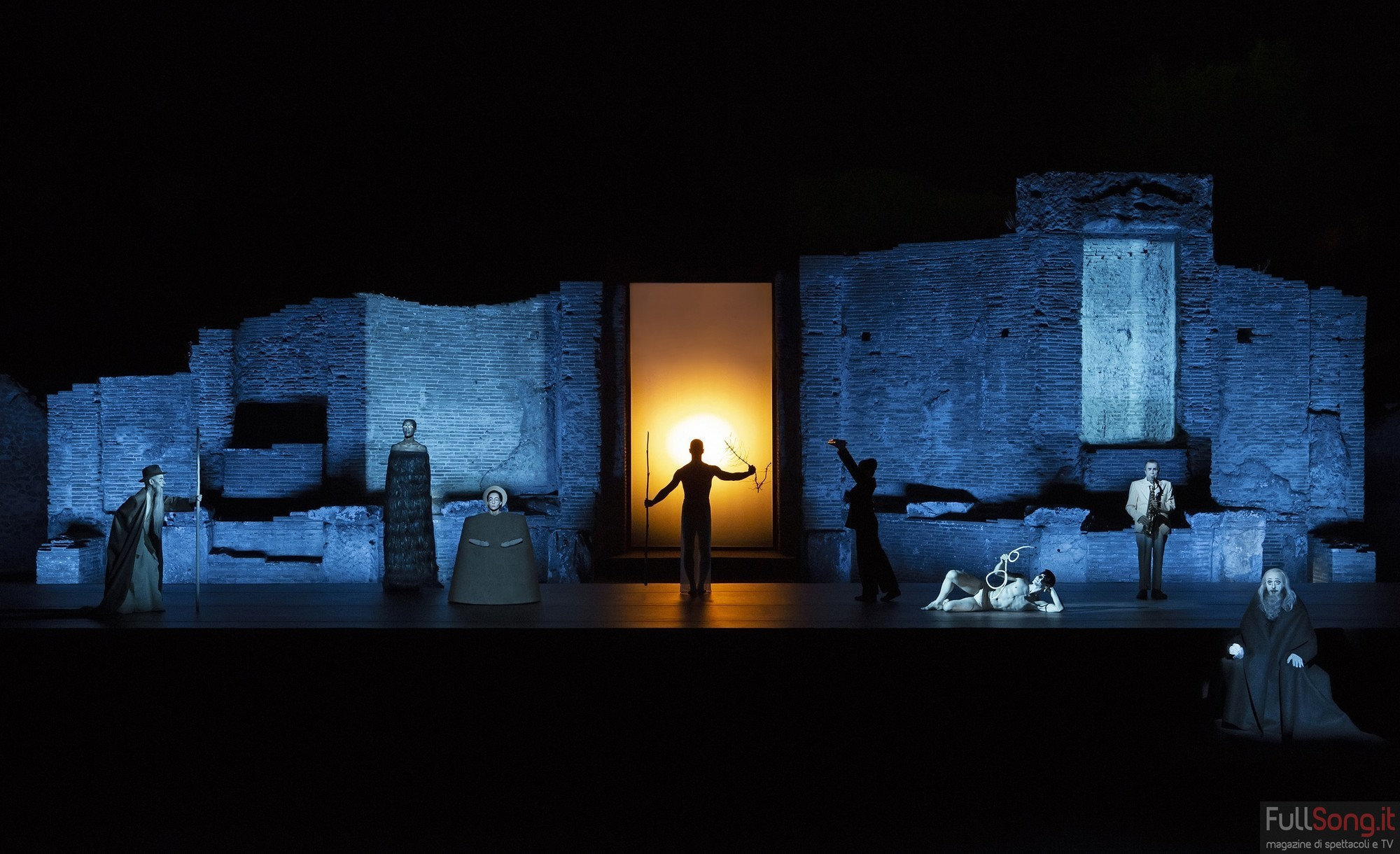 OEDIPUS da Oidípūs týrannos di Sofocle - ideazione, spazio, disegno luci e regia Robert Wilson | Foto Lucie Jansch